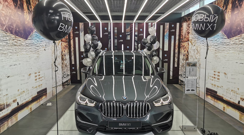BMW X1 — не бэтмобиль, но все же…