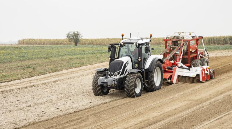 Даешь лучшие трактора и комбайны!